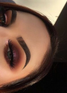 burgundy eye look @dcbarroso