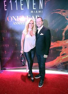 Jenny McCarthy and Donnie Wahlberg, Donnie And Jenny, Jenny Mccarthy, Donnie Wahlberg, Blue Bloods, Happily Ever After, Celebrity Weddings, Old Hollywood, Aunt, Hot Guys