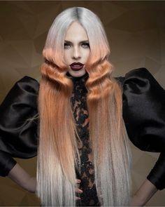 981 отметок «Нравится», 13 комментариев — Estetica Magazine USA (@esteticausa) в Instagram: «#ESTETICAUSA WAVES AND COLORS Interrupted! by @gonzalo_zarauza #esteticalikes #hairinspo…»