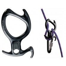 PETZL The PIRANA descender offers multiple braking options and can be installed on the rope without removing it from the harness.