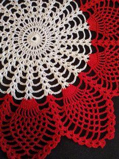 Crochet Table Runner Pattern, Free Crochet Doily Patterns, Christmas Crochet Patterns, Crochet Diagram, Crochet Motif, Crochet Coaster, Crochet Rugs, Tatting Patterns, Crochet Home