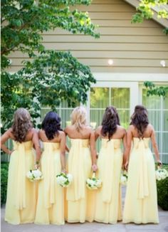 Wedding Wednesday: Pale Yellow Wedding Details Pale Yellow Bridesmaids all pretty in a row! Yellow Bridesmaids, Bridesmaids And Groomsmen, Wedding Bridesmaids, Bridesmaid Gowns, Wedding Robe, Wedding Attire, Wedding Dresses, Perfect Wedding, Dream Wedding