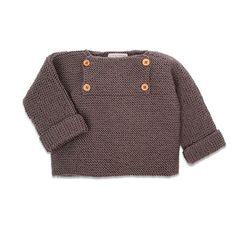 Le projet tricot idéale pour les futures et jeunes mamans: un pull sans couture. Voici un patron gratuit de tricot pour s'entrainer à tricoter sans prise de tête, tout en habillant votre petit. Tricot Baby, Baby Boy Knitting Patterns, Pull Bebe, Crochet Baby Clothes, Baby Cardigan, Baby Kind, Baby Boy Fashion, Couture, Baby Outfits