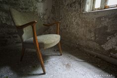 https://flic.kr/p/8kufzu | Urbex relax | From an abandoned mental institution in Norway.