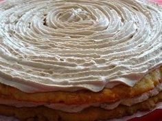 This is a homemade cake with a different type of bottom as it is made with almond pastry. This cake will not be a favorite among kids, it is meant for adults as the coffee taste comes out quite nicely. Though even if you are not a fan of coffee, the mix with almond gives it a lovely touch. It is perfect to serve this cake after a romantic couple dinner or when there will be only adults at the party !
