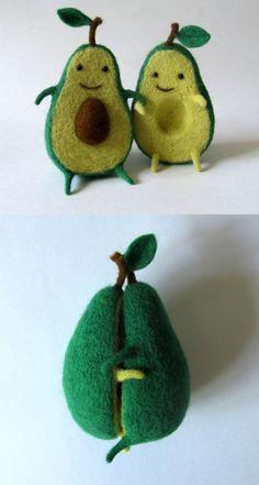 Avocado Love – by Hanna Dovhan — An Avocado Plush Toy and It's Adorable : twi… Avocado Love – von Hanna Dovhan – Ein Avocado-Plüschtier und es ist bezaubernd: Twistedsifter Cute Crafts, Felt Crafts, Diy And Crafts, Arts And Crafts, Fimo Kawaii, Cute Avocado, Felt Food, Felt Diy, Soft Sculpture