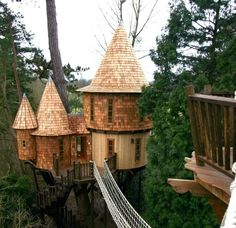 Blue Forest Tree House Design crafted this castle made of wood. Beautiful Tree Houses, Cool Tree Houses, Beautiful Homes, Cool Forts, Tree House Designs, Blue Forest, In The Tree, Play Houses, Future House