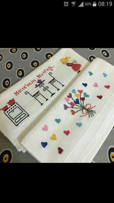 💞💞💞 Diy And Crafts, Cross Stitch, Gull, Face Towel, Dish Towels, Cross Stitch Embroidery, Towels, Craft, Christmas Crafts