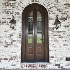 ROMABIO Classico Limewash is a slow-set, slaked-lime paint that is specially formulated to create unique white wash effects for Interior and Exterior brick, stone and other masonry surfaces. This Limewash House Paint Exterior, Exterior Paint Colors, Exterior House Colors, Interior And Exterior, White Wash Brick Exterior, Rustic Brick House Exterior, Whitewash Brick House, Whitewashing Exterior Brick, Stained Brick Exterior