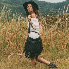 Bohemian style shoulder fringe leather bag #bohoinspiration #bohemian #leather #boho www.mahilacouro.com.br