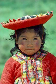 niña típica del Cusco, Peru