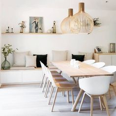 Get inspired by these dining room decor ideas! From dining room furniture ideas, dining room lighting inspirations and the best dining room decor inspirations, you'll find everything here! Room Interior, Interior Design, Interior Modern, Natural Interior, Interior Colors, Interior Ideas, Dining Room Inspiration, Design Inspiration, Design Ideas