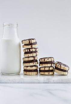 This is a cookie lover's dream with a thick layer of rich chocolate ganache sandwiched between two petite shortbread cookies and topped with a chocolate drizzle.