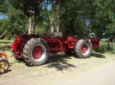 twin w-9 Antique Tractors, Vintage Tractors, Homemade Tractor, Agriculture Tractor, Farmall Tractors, International Harvester, Tandem, Lawn Mower, Twin