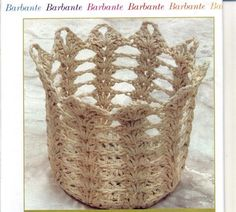 you could make this narrower and use it to hold your hooks, knitting needles, pencils, cosmetic brushes, etc. Crochet Diagram, Crochet Motif, Crochet Patterns, Knit Basket, Basket Bag, Crochet Baskets, Diy Storage Containers, Crochet Bowl, Crochet Kitchen