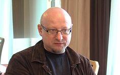 Нуђење власти организаторима државног удара je капитулација председника Украјине - http://www.vaseljenska.com/misljenja/nudjenje-vlasti-organizatorima-drzavnog-udara-je-kapitulacija-predsednika-ukrajine/