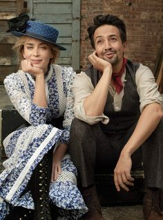 "Emily Blunt and Lin-Manuel Miranda ""Pair of Hearts"" photo by Annie Leibovitz for Vogue December 2018 Mary Poppins Mary Poppins Film, Emily Blunt Mary Poppins, Mary Poppins Outfit, Mary Poppins Costume, Bert Mary Poppins, Mary Poppins 2018, Disney Pixar, Walt Disney, Disney Marvel"