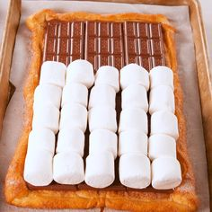 Sheet Pan S'mores, desserts for a crowd Easy Desserts, Delicious Desserts, Yummy Food, Yummy Dessert Recipes, Cupcake Recipes Easy, Recipes For Desserts, Easy Food Recipes, Deep Fried Desserts, Air Fryer Recipes Dessert
