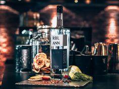 Uitgelicht: RBL ANN gin | Alles over gin. Gin, Tonic Water, Utrecht, Diffuser, Jeans, Jin
