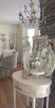 Perfect French Shabby Chic Interior Design – Shabby Chic Home Interiors Shabby French Chic, Shabby Chic Mode, Shabby Chic Bedrooms, Shabby Chic Cottage, Shabby Chic Style, Shabby Chic Furniture, Muebles Shabby Chic, Shabby Chic Zimmer, Trendy Home Decor