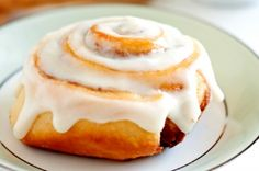 The best cinnamon rolls you'll ever taste! Better than cinnabon or any bakery! They have a perfect texture, an irresistable flavor and the cream cheese icing makes them sing. Cinnabon, Vegan Cinnamon Rolls, Rolls Recipe, Snacks, Holiday Desserts, Sweet Tooth, Sweet Treats, Dessert Recipes, Yummy Food