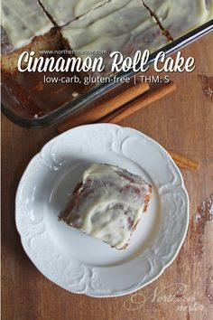 This low-carb, gluten-free Cinnamon Roll Cake delivers the flavors of a cinnamon roll without the fuss! It takes just 15 minutes to prepare. A THM S. Cinnamon Roll Muffins, Cinnamon Cake, Cinnamon Rolls, Trim Healthy Momma, Bean Cakes, Thm Recipes, Healthy Recipes, Healthy Dinners, Healthy Foods