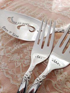 Cake server & Mr. & Mrs. forks SET personalized vintage by LoreleiVella, $65.00 handstamped