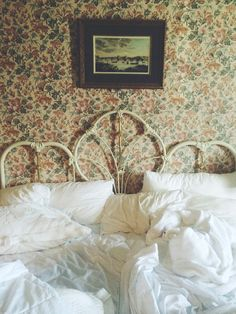 This reminds me of Dianna's 'spare room' and the race that ended in pouncing on Aunt Josephine in the bed!  ;)