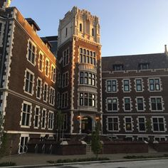 West Hall at #CCAC #Allegheny Campus early in the morning. #CCACisBeautiful #CCACAllegheny Photo credit: @joyous_traveler