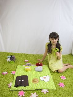La souris verte Picnic Blanket, Outdoor Blanket, My Job, Creations, Mini, Once Upon A Time, Bed Covers, Plushies, Game