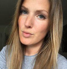 Aquaro-Die WimpernProfis sorgen bei Lisa für unvergleichlich, tolle Wimpern, die ihre natürliche Schönheit noch mehr zur Geltung bringen.