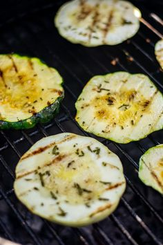Grilled Patty Pan Squash Summer Side Dishes, Healthy Side Dishes, Veggie Dishes, Patty Pan Squash Recipes, Yellow Squash Recipes, Grilled Vegetable Recipes, Grilled Vegetables, Veggies, Sunburst Squash