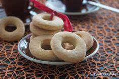 deliziosi biscotti al miele ideali per la prima colazione o per accompagnare il caffè dopo il pasto, dolci e friabili