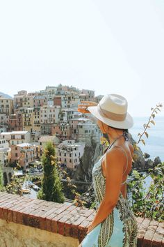 A travel guide to all five villages in Cinque Terre. You'll learn all the best view points, photo locations, where to go hiking and the best food to try. Paris Packing, Packing Tips For Travel, Summer Outfits For Teens, Go Hiking, Fishing Villages, Day Tours, Italy Travel, Where To Go, Workout Programs