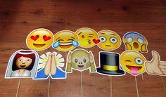 Para deixar seu casamento mais divertido, encomende as plaquinhas emojis! Valor de R$ 120,00 para kit com 10, mas pode ser quantas quiser! =) R$ 120,00