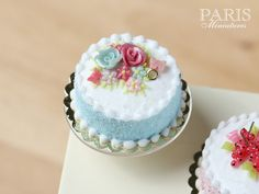 Pastel Cake - Baby Blue, Decorated with Roses, Blossom, Butterfly Candy - Miniature Food in Scale for Dollhouse Mini Tortillas, Mini Cakes, Cupcake Cakes, Pastel Cakes, Fondant, Doll Food, Cake Baby, Mini Things, Mini Foods