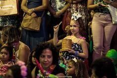 Que bailinho animado com @brincantar em @plazaniteroi  #alegria  #folia  #carnaval  #batucada  #musica  #instrumentos  #fazendomusica  #plaza  #brincantar  #davidamarantefotografia  #soufeliz