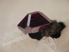 Cuprite - Clara Mine, Rankach valley, Oberwolfach, Wolfach, Black Forest, Baden-Württemberg, Germany FOV : 5 mm
