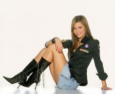 holly-valance easy-going sexy