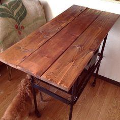 隙間収納!ダイソーの「ジョイントラック」が使えるんです♡ - Locari(ロカリ) Table Desk, Dining Table, Room Planning, House Rooms, My Room, Diy And Crafts, Antiques, Wood, Interior