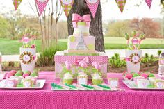 What a fun party idea! Preppy tennis theme for a young girl.
