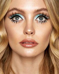 Two of my favourite things with Tamara Williams & Liner & glow. Two of my favourite things with Tamara Williams & 60s Makeup And Hair, Retro Makeup, Vintage Makeup, Glam Makeup, 70s Disco Makeup, Sixties Makeup, Twiggy Makeup, Mod Makeup, Disco 70s