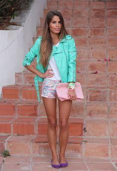 Fashion Pills  Chaquetas, Oysho  Zapato plano and Bershka  Pantalones cortos