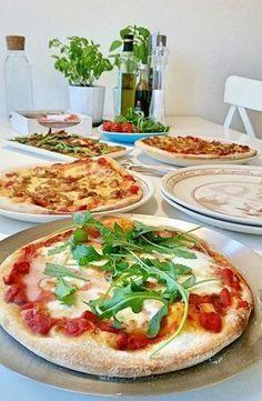 Detta är ett recept som ger dig den godaste pizzan någonsin! Veggie Recipes, Baby Food Recipes, Dinner Recipes, Cooking Recipes, Healthy Recipes, Yummy Recipes, Healthy Food, Recipies, Zeina