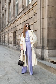 Even so, lilac clothes delighted me so much that I decided to give them a chance in my . Pastel Outfit, Purple Outfits, Colourful Outfits, Spring Outfits, Mode Outfits, Fashion Outfits, Womens Fashion, Fashion Trends, Fashion Weeks