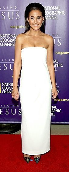 The Entourage alum kept things classy in a strapless, white column dress. Oil-spill pumps added a fierce twist to the chic style.