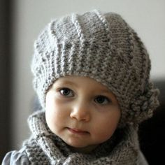 Knitted baby hat with short rows