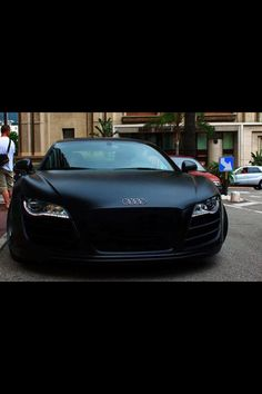 Audi R8- flat black paint job