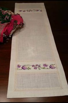 Embroidery Applique, Embroidery Patterns, Lace Table Runners, Viking Tattoo Design, Cross Stitch Rose, Swirl Design, Butterfly Cards, Bargello, Diy And Crafts