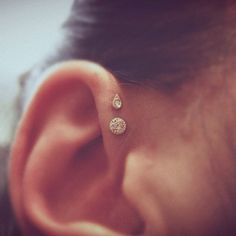 The Double Forward Helix; this is the next ear piercing I want! I don't think my ear is big enough for the triple, but the double looks cute too Piercing Tattoo, 1 Tattoo, Baby Ear Piercing, Piercings Corps, Body Piercings, Helix Piercings, Tragus, Piercings Bonitos, Unique Ear Piercings